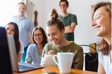 5 id 233 es pour avoir une vie sociale quand on travaille chez