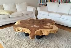 Couchtisch Mit Tischplatte Aus Einem Baumstamm Der
