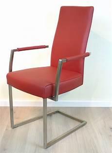 freischwinger stuhl mit armlehne diverso freischwinger stuhl mit offener armlehne auch