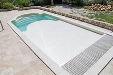 couverture piscine pas cher volet piscine immerge pas cher