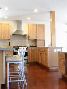 Kitchen Decorating Ideas With Maple Cabinets by Marvelous Light Maple Kitchen Cabinets Design Stunning