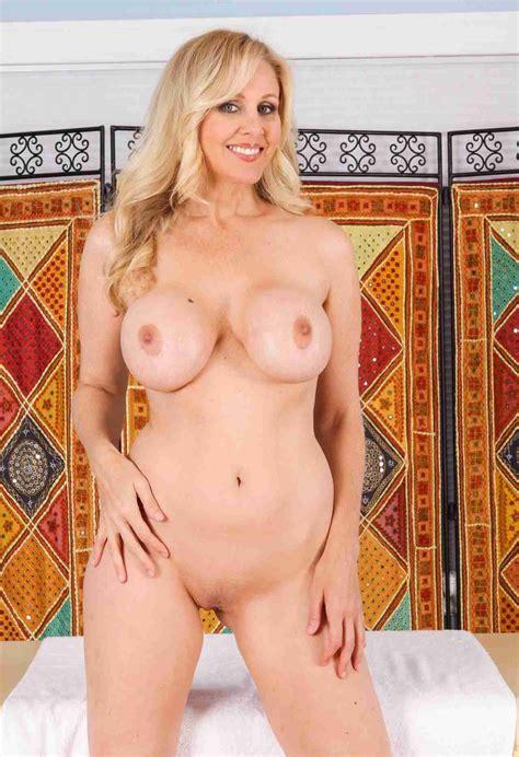 Julia Ann Nude