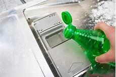 geschirrspüler reinigen mit backpulver haushalttipps 10 geniale putz hacks die dein leben