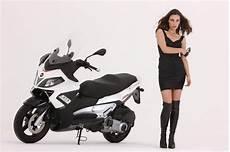 2013 aprilia sr max 125 300 review top speed