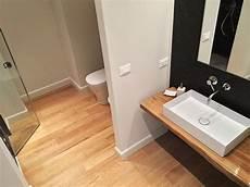 bagno parquet parquet in bagno un ottima scelta o un azzardo alma by