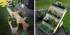 Eine Blumentreppe Aus Einer Alten Palette Garten