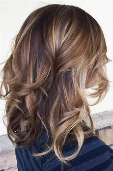 couleur caramel cheveux brun 1001 variantes du balayage caramel pour sublimer votre