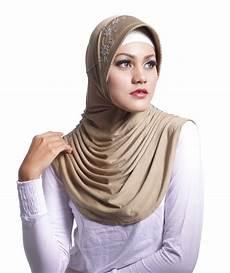 Jilbab Meidiani Praktis Nyaman Modis Tips Mengenakan