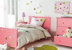 Desain Kamar Warna Pink Rumah Zee