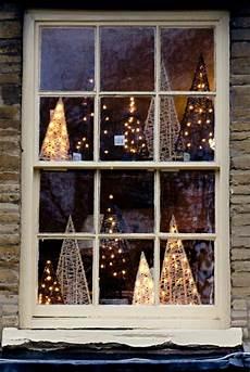 k 252 nstliche weihnachtsb 228 ume dekoration einebinsenweisheit