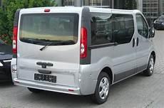Opel Transporter Vivaro - file opel vivaro combi facelift rear jpg wikimedia commons