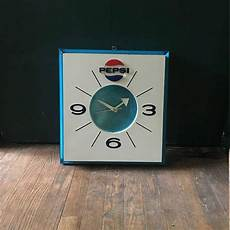 vintage mid century 70s light up pepsi wall clock not