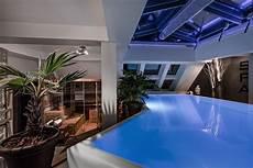 Sport In Der Wohnung by Dachgeschoss Wohnung Der Superlative Sport Pool