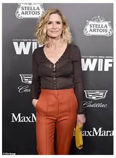 kyra sedgwick returns to television with a starring role