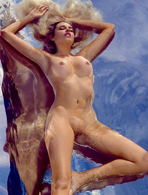 Diana Del Bufalo Nuda