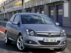 Car Pictures Opel Astra Gtc 2005