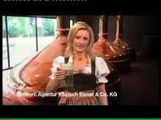 lustige sprüche frauen frau trinkt 0 5 l bier auf ex