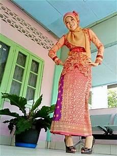 zainal songket songket palembang kebaya ikat batik and kabaya pinterest kebaya and