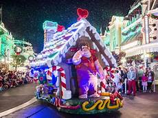 8 favorites at mickey s very merry christmas party at walt disney world about a mom