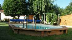 amenagement piscine en bois amenagement piscine hors sol semi enterree