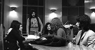 Led Zeppelin Rarely Seen Photos From Good Times Bad