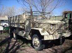2 X Reo Lkw Ex Us Army Stehen Zum Verkauf