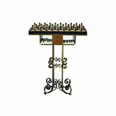 candelieri in ferro battuto candeliere votivo a molla in ferro battuto per candele di cera