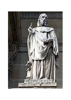 Gr 233 Goire De Tours Une Des Statues De La Cour Napol 233 On Du