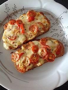 gerichte mit tomaten baguettscheiben mit tomaten mozzarella 252 berbacken