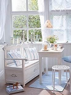 wohnen skandinavischer stil esszimmer im skandinavischen stil esszimmer mit sitzbank wohnen garten shabby chic