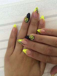black and yellow gel nails design with flowers ladystyle