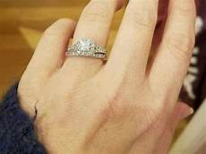 pregnant woman s wedding rings stolen at gunpoint in