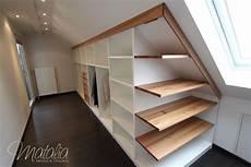 möbel für dachschräge einbauschrank dachschr 228 ge schiebet 252 ren kleiderschrank