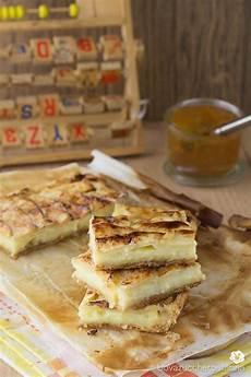 crema con due tuorli lo scendiletto con crema e mele 232 un delizioso dolcetto formato da due strati di pasta sfoglia