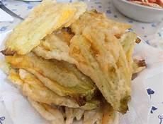 fior di zucchine in pastella fiori di zucchine fritti in pastella la cucina di