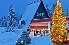 stauprognose weihnachten 2018 benzinpreise tank tipps zu weihnachten autobild de