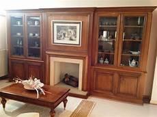 mobili usati soggiorno soggiorno classico usato mobile libreria artigianale in