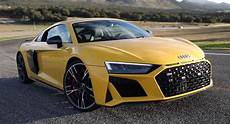 2019 audi r8 gets detailed then hits 62 mph in just 2 72 seconds carscoops