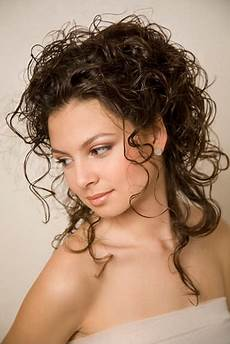 pinned up curly hairstyles curly up hairstyles