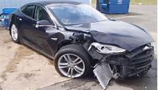 wirtschaftlicher totalschaden auto verkaufen vom verzweifelten versuch ein tesla model s mit