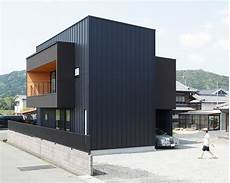 prix bardage métallique rectangular all black abodes minakuchi house
