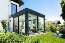 Wintergarten Modern Mit Flachdach Und Kuppel Modern