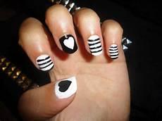 en noir et blanc nail vernis 224 ongle