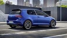 Golf R 2017 - 2017 volkswagen golf r revealed with new looks more power