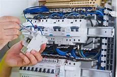 Installation électrique Belgique Panneaux Disjoncteurs Et Fusibles Groupe Hage