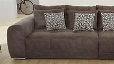 microfaser couch big sofa moldau xxl couch in microfaser braun mit kissen