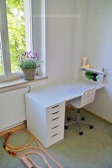 schreibtische für kinder hellweg kinderzimmer etagenbett schreibtisch jugendzimmer