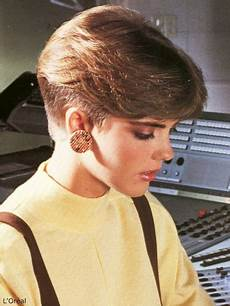 1980s short nape haircut inspired by the pageboy