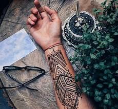 Fantastis 20 Tato Keren Henna