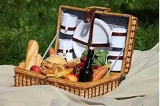 was braucht für ein picknick top10 liste picknickpl 228 tze und picknickkorb verleih